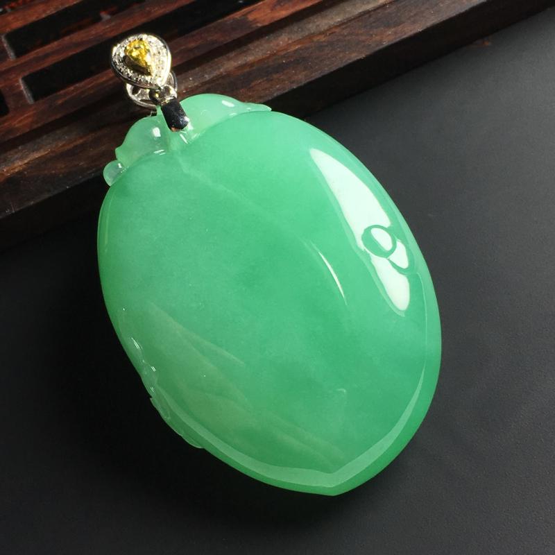 细糯种满色福瓜吊坠 18K金扣 含金尺寸49-27-11毫米 玉质水润 色彩亮丽