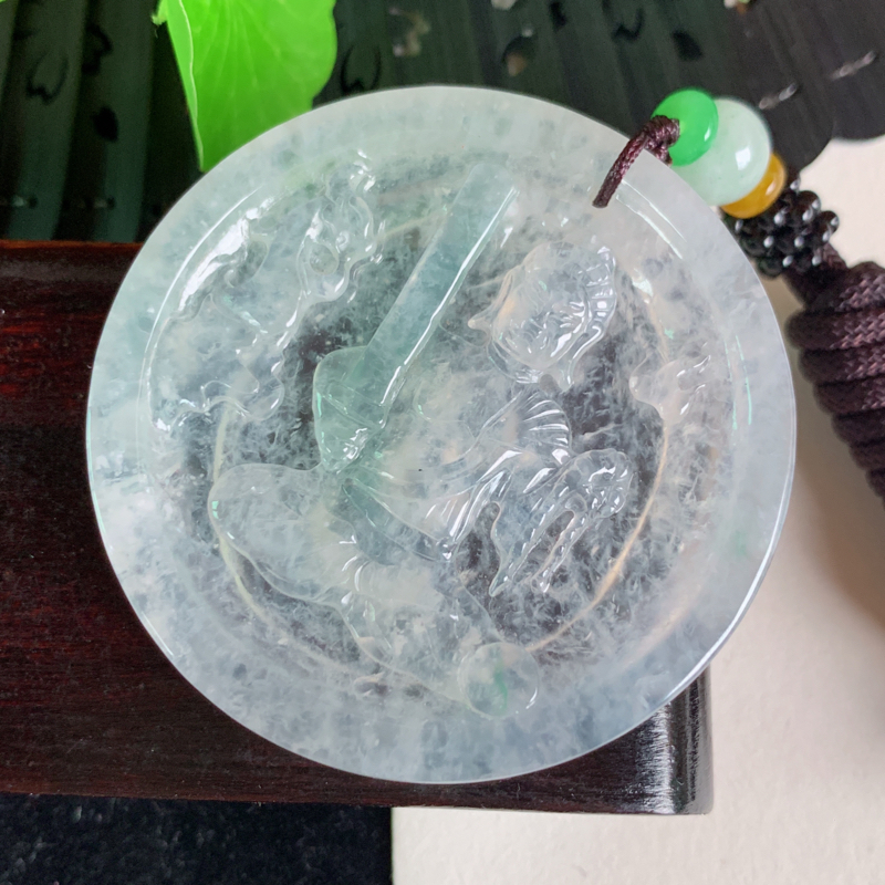 天然翡翠A货-种好冰润虚空藏菩萨吊坠_种好,玉质细腻,水头饱满,底子干净清爽,雕刻细腻,水润精致,上