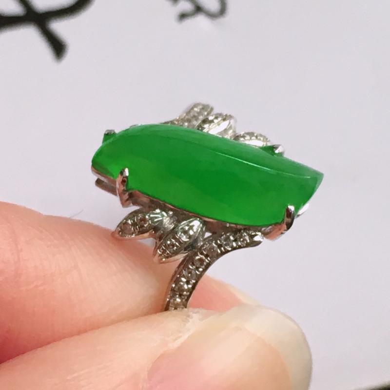 18k金伴钻随形戒指,天然翡翠A货,包金尺寸:厚5.8mm,裸石尺寸:13/5/3mm,内径:17m
