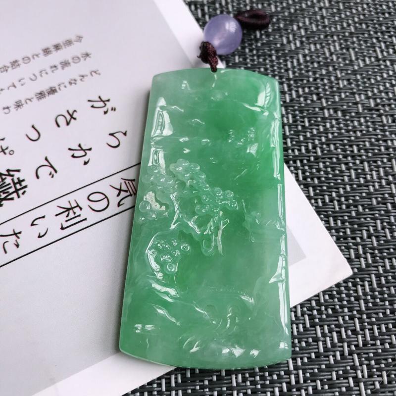 【原价2820元】*满绿山水牌吊坠天然翡翠A货,尺寸:58/28.6/5.4mm,顶珠是装饰品