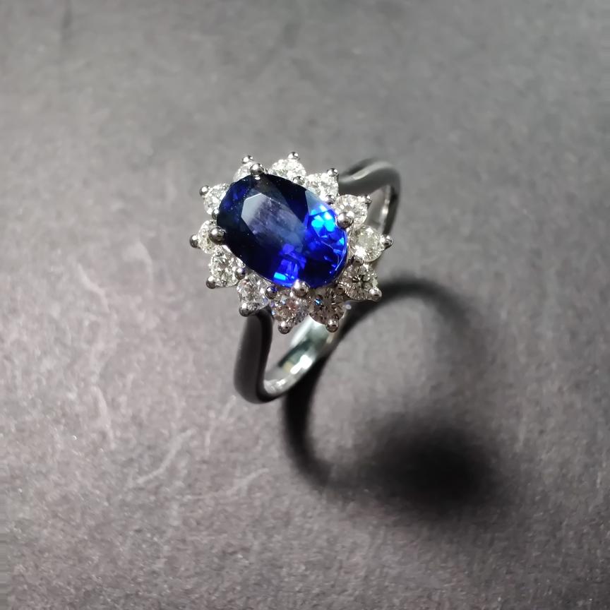 【戒指】18k金+蓝宝石+钻石