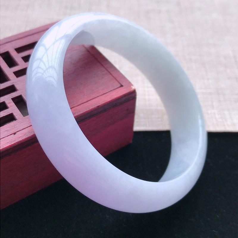 正圈:54。天然翡翠A货。老坑细糯种紫罗兰手镯。玉质细腻,佩戴清秀优雅。尺寸:54*15*7mm