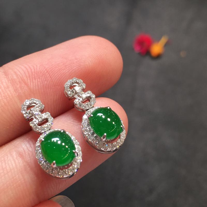 一对阳绿耳钉,完美,底庄细腻,18k白金南非真钻镶嵌,性价比高,推荐,尺寸16.5*8*6.5/6.
