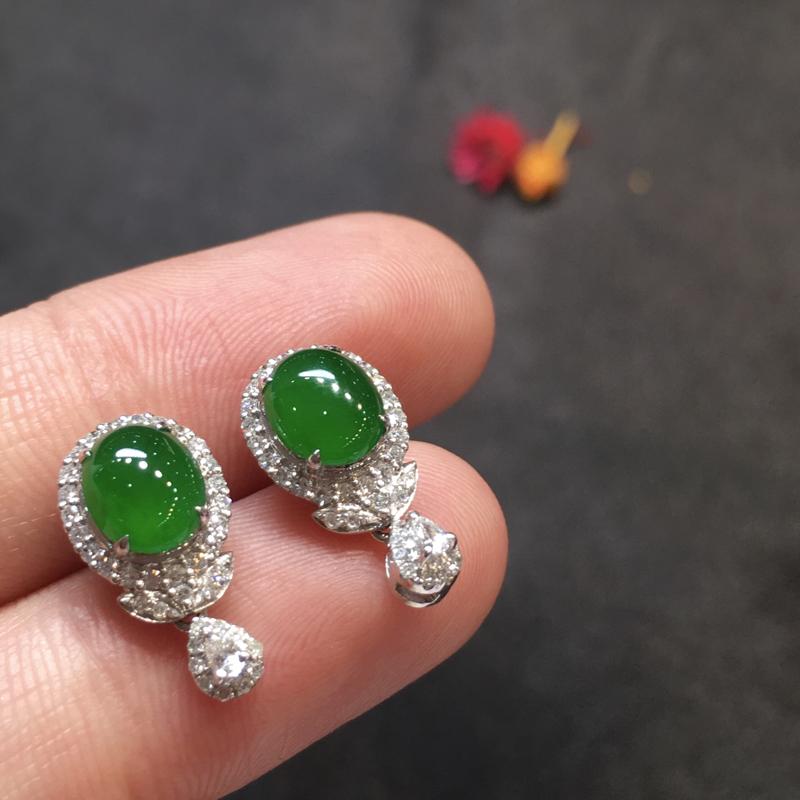 一对阳绿耳钉,完美,底庄细腻,18k白金南非真钻镶嵌,性价比高,推荐,尺寸15.6*8*6.6/7*