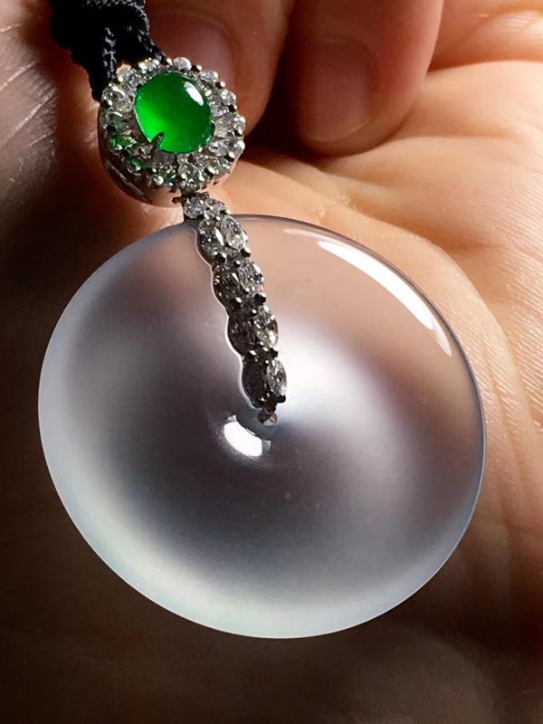 玻璃种平安扣,种老水长,细腻莹润,性价比好、收藏级质量,整体42.8~30.~8.2、