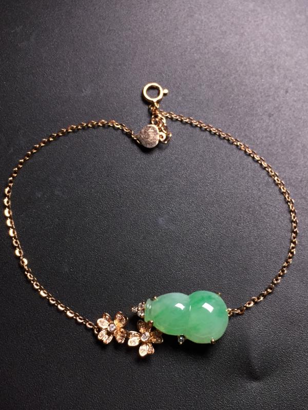 果绿葫芦手链,18k真金真钻镶嵌,完美,种水超好,玉质细腻