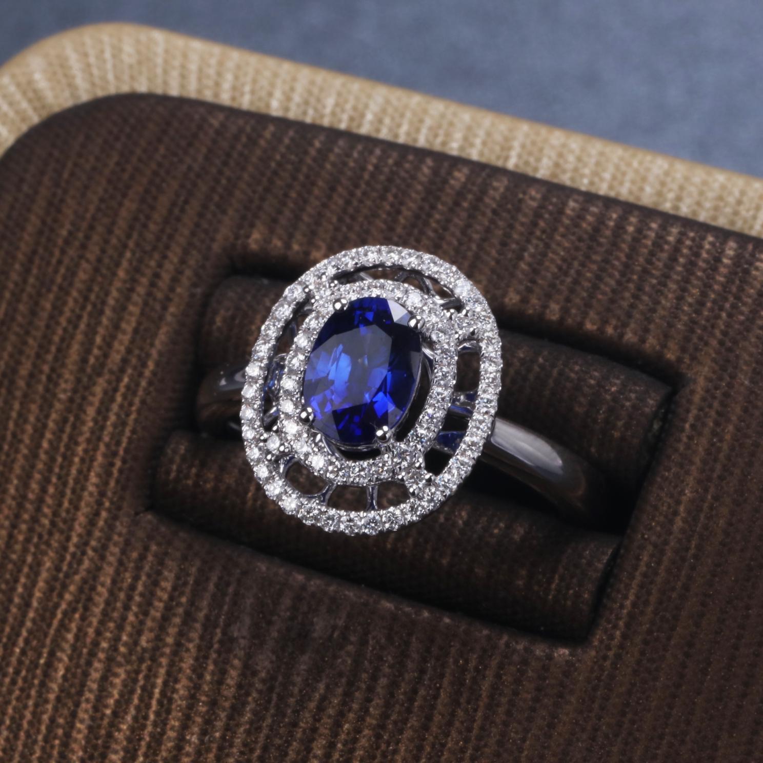 【戒指】18k金+蓝宝石+钻石  宝石颜色纯正 货重:3.80g  主石:1.14ct  手寸:14