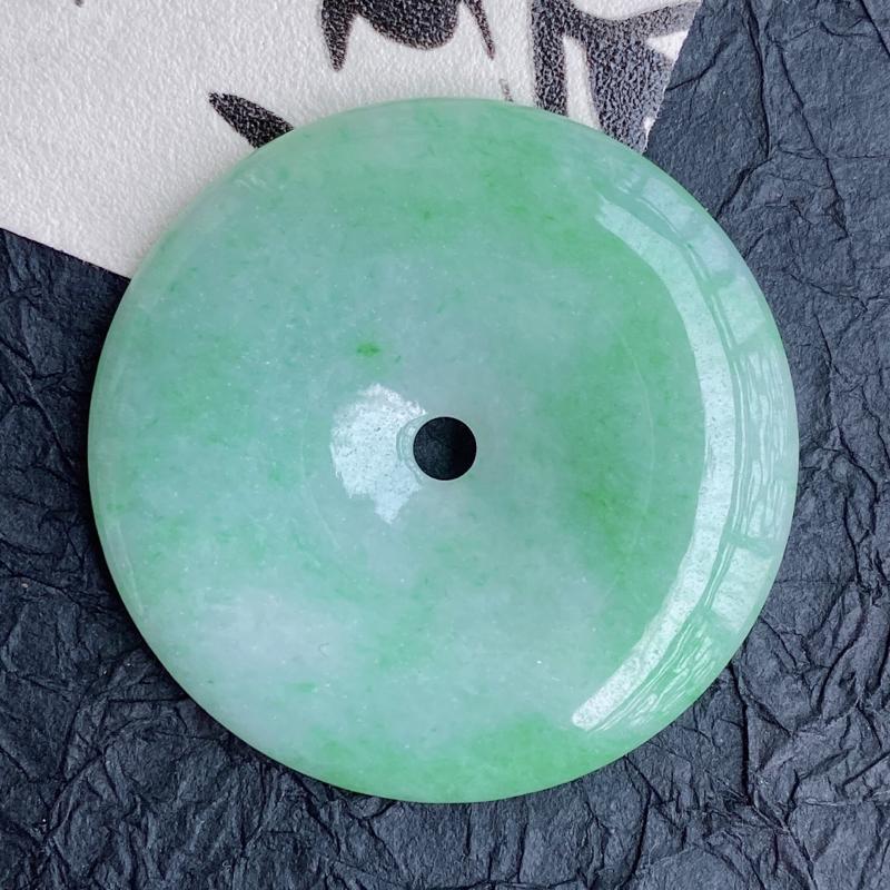 天然翡翠A货团团圆圆平安扣吊坠,尺寸:直径41.2*厚5.4mm