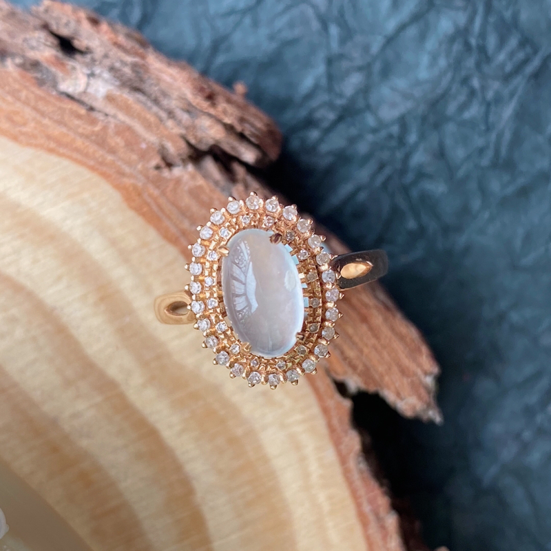 天然翡翠A货镶嵌18k金伴钻福气戒指,内径尺寸:17.4mm,含金尺寸:14*11*8.8mm,裸石