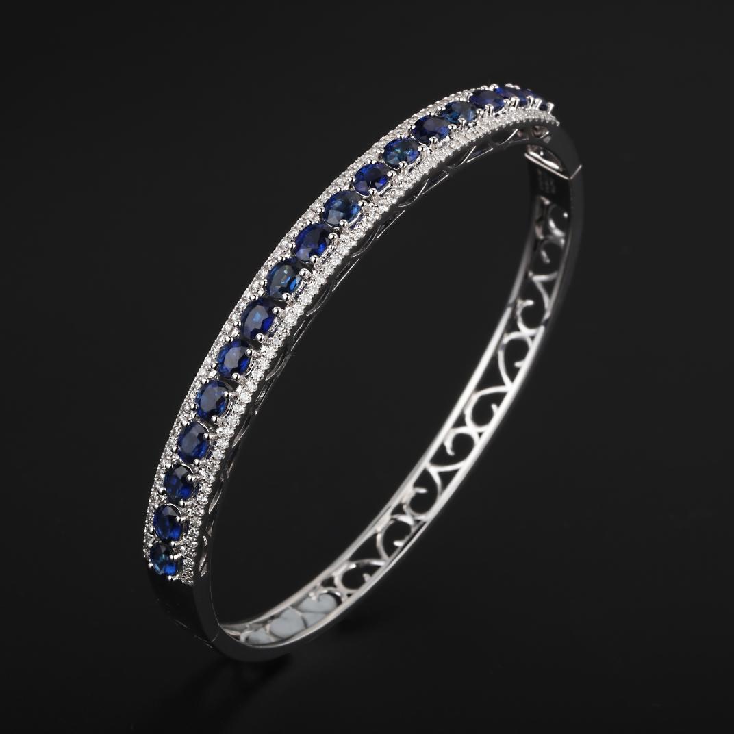 【手镯】18k金+蓝宝石+钻石  宝石颜色纯正 货重:15.14g  金重:14.24g  主石:3
