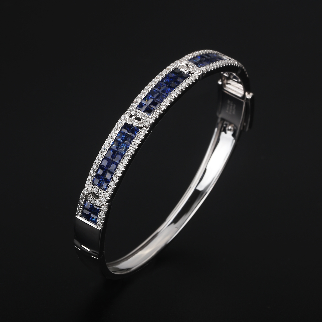 【手镯】18k金+蓝宝石+钻石  宝石颜色纯正 货重:21.39g  金重:20.38g  主石:4
