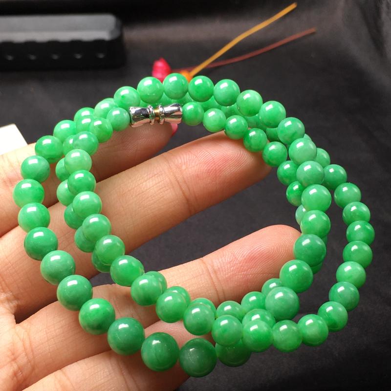 豆绿珠链,底庄细腻,个别有纹可忽略,性价比高,推荐,尺寸6mm,重量36.06g