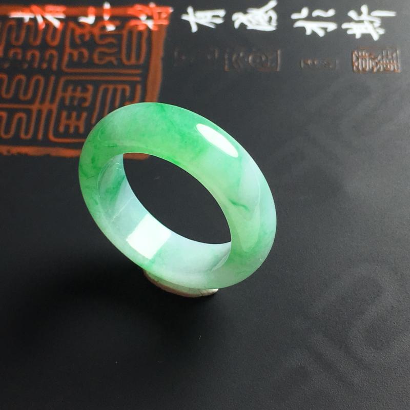 糯种带色指环 内径16.8 宽6 厚3毫米 玉质水润 色彩亮丽