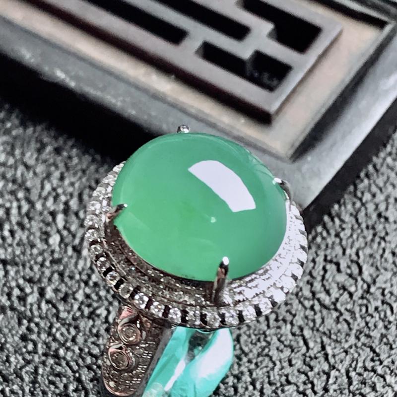 【老坑冰种18k镶嵌戒指,种水一流,晶莹剔透,完美无瑕,纯净通透,起光起胶起玻璃光泽。 高品质级材料打造,不可多得的佳品。 高性价比,值得入手。 整体尺寸:内径17mm蛋面13.1*12.4*5.3mm】图7