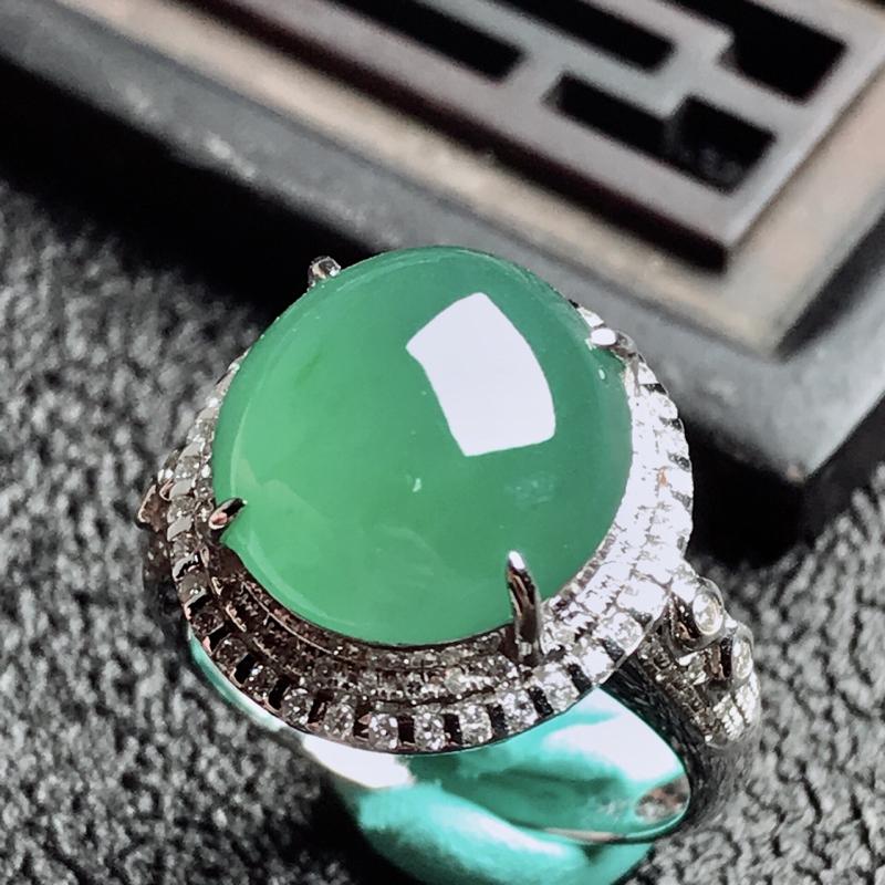 【老坑冰种18k镶嵌戒指,种水一流,晶莹剔透,完美无瑕,纯净通透,起光起胶起玻璃光泽。 高品质级材料打造,不可多得的佳品。 高性价比,值得入手。 整体尺寸:内径17mm蛋面13.1*12.4*5.3mm】图8