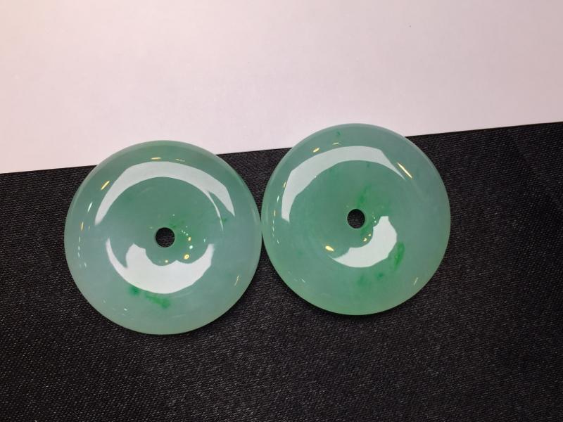 一对浅绿平安扣,平安吉祥,完美,底庄细腻,性价比高,推荐,尺寸26.8*5.5/26.7*6mm,重