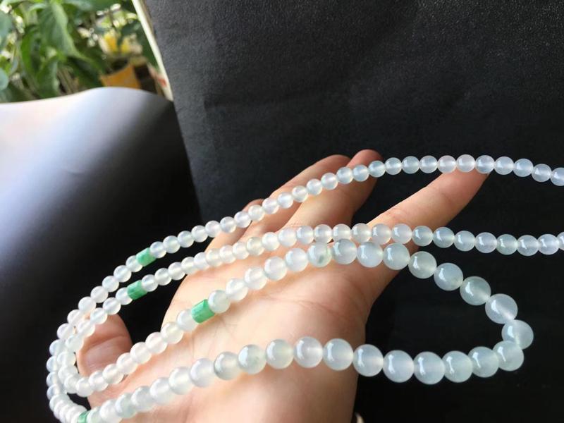 冰种翡翠珠链,直径卡7.1~5.5mm,116颗,4颗配珠,塔链,种好,细腻,水润,耐看,自然光拍摄
