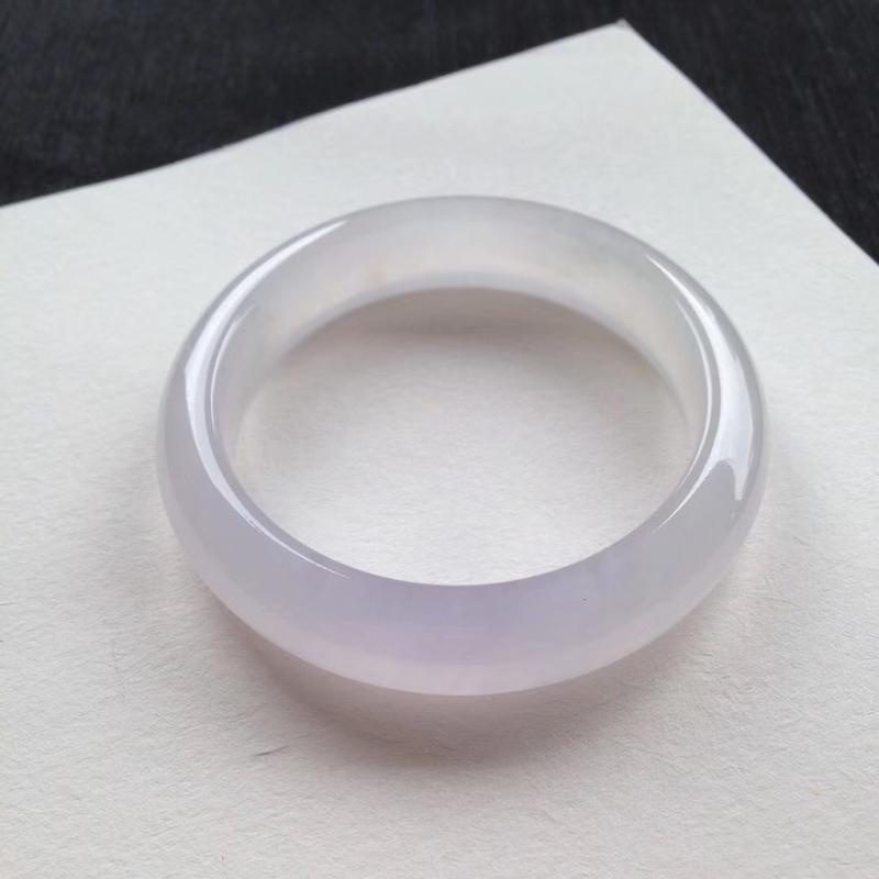 老坑冰淡粉紫正圈镯,尺寸55*13.5*9 完美老种,纯净细腻,通透无比,清润水足,局部泛光,全胶感