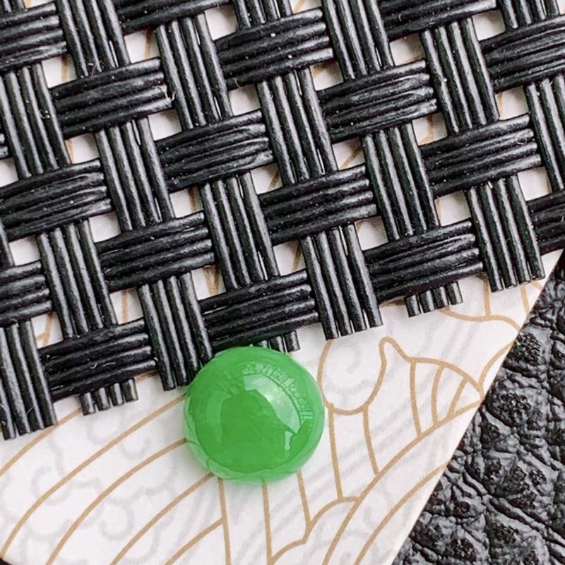 天然翡翠A货满绿福气戒面,可镶嵌,尺寸:7.3*7*3.5mm