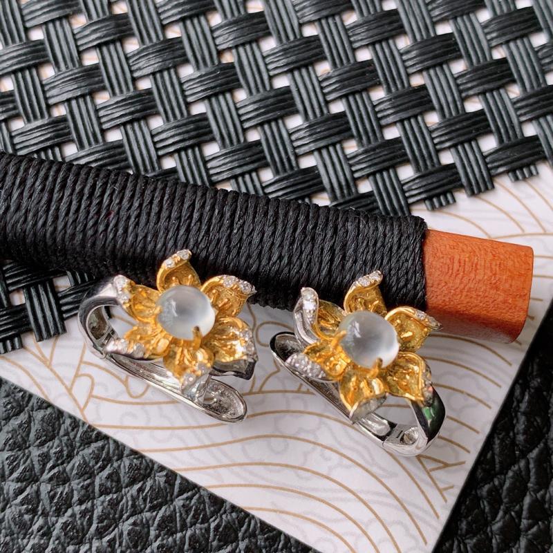 天然翡翠A货镶嵌18k金伴钻花开富贵耳钉,含金尺寸:11.8*13.7*5.3mm,裸石尺寸:4.5