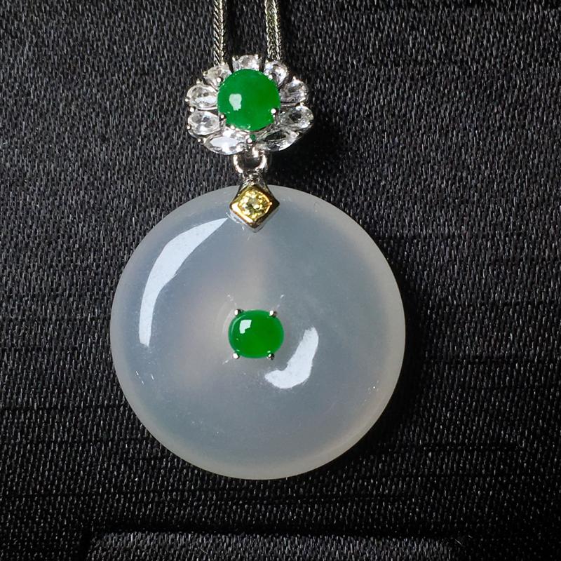 翡翠a货,冰糯种平安扣吊坠,18k金镶嵌,点缀宝石,种水一流,佩戴精致