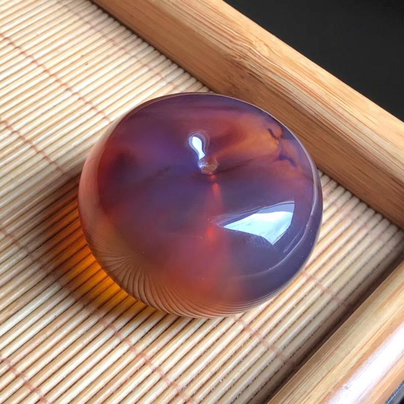 天然缅甸琥珀平安扣面包圈,无杂裂冰,品质好,颜色漂亮!规格38/22.8,重20.8克,可配绳。收藏