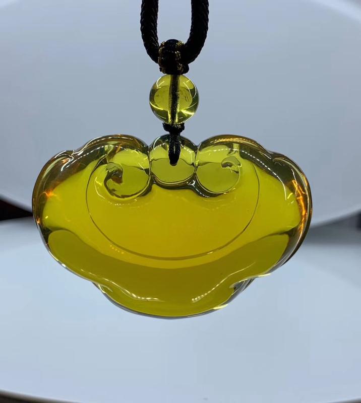 精品爱心如意锁吊坠,形状规整精致饱满,品质好,19克,规格约50-36-21mm,收藏佩戴佳品。