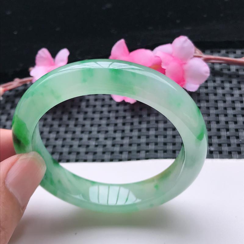 6/2老坑冰糯种水润起胶飘绿花正圈手镯,尺寸:53.5*12.5*8.2、玉质细腻,种水好,底色好,