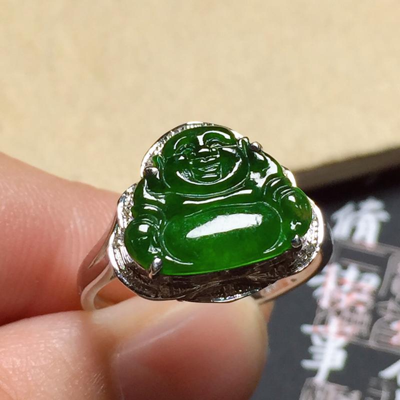 细糯油绿佛公翡翠戒指,料子细腻光滑,色泽浓郁,指圈:14#,尺寸:10-12.2-2