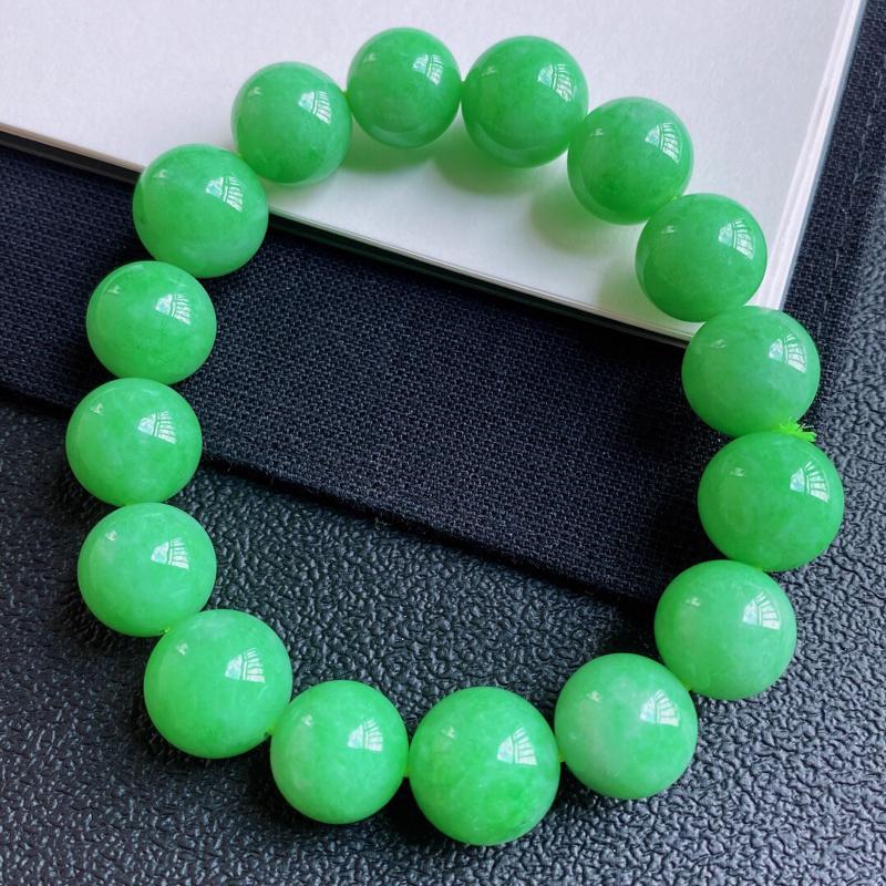 0603老坑精美水润阳绿A货翡翠玉珠手链 共16颗玉珠大珠尺寸14.2mm 小珠尺寸12.8mm