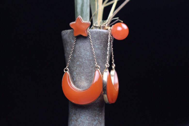 【日月星辰】樱桃红四颗裸石组合镶嵌,做日,月,星辰,寓意吉祥,造型别致新颖,可做耳钉,耳坠分解佩戴,