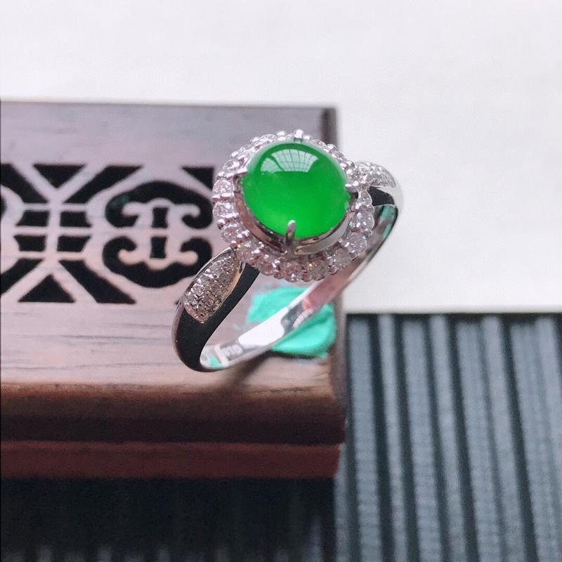 天然翡翠A货18K金镶嵌伴钻糯化种满绿精美蛋面戒指,内径尺寸18.7mm, 裸石尺寸7-6-3mm,