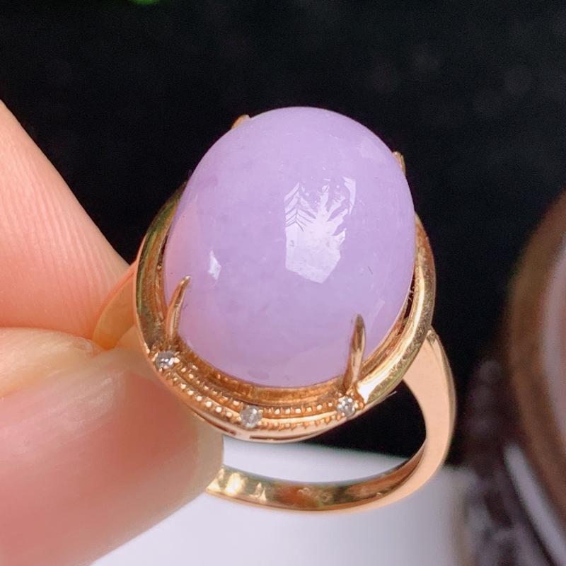 缅甸a货翡翠,18k金伴钻紫罗兰戒指玉质细腻,颜色艳丽,有种有色,圆润饱满,佩戴效果更好,整体17