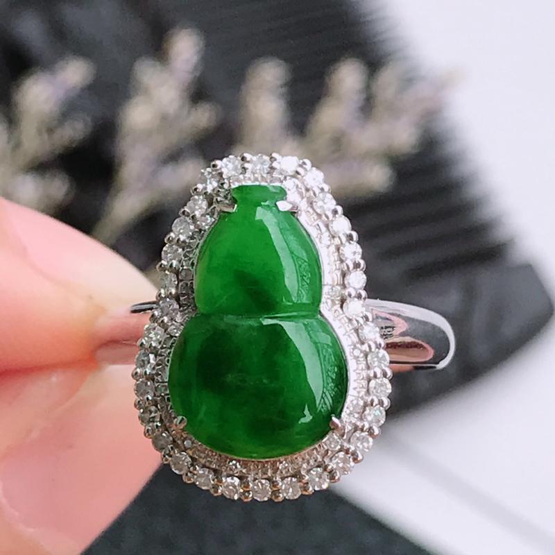 天然翡翠A货镶嵌18k金伴钻福气戒指,内径尺寸:17.7mm,含金尺寸:16.6*12.3*7.3m