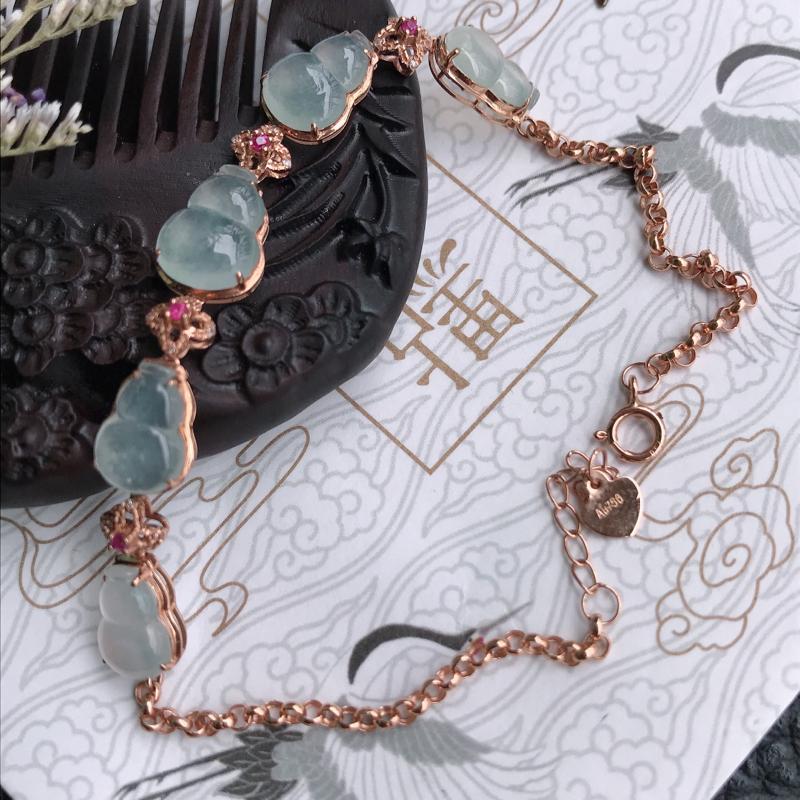 天然翡翠A货镶嵌18k金伴钻吸财葫芦手链,含金尺寸:长203*7.7*4mm,裸石尺寸:9.3*7.
