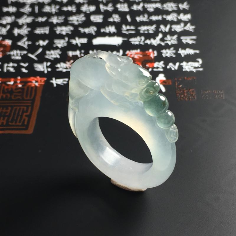 冰种飘花貔貅戒指 内径19.8 宽7 厚5毫米 种好冰透 飘花清爽 雕工精美