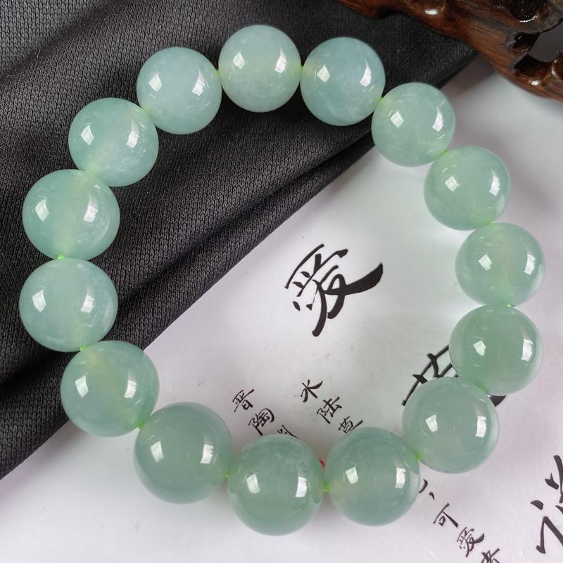 缅甸a货翡翠,水润翡翠圆珠手链,玉质细腻,圆润饱满,有种有色,佩戴效果更好