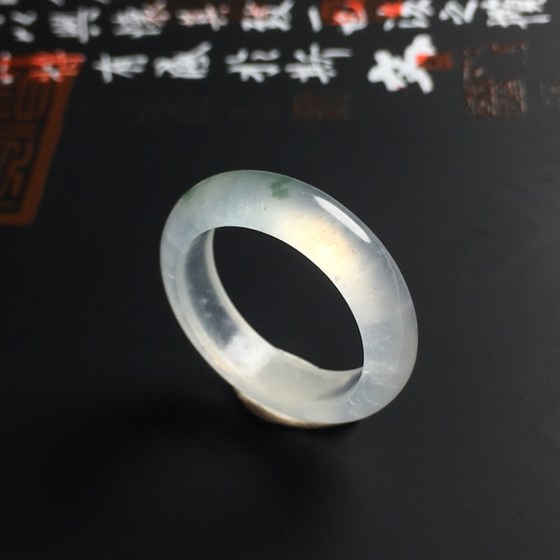 冰种飘花指环 内径18 宽5 厚3毫米  种好冰透 佩戴精美