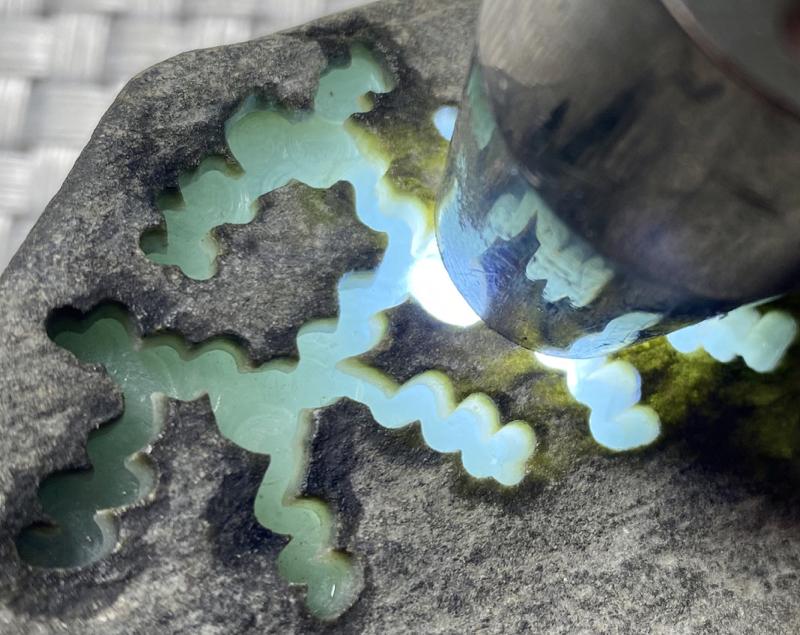 #矿区新货来袭#  【名称】0.5公斤莫西沙开窗料       【重量】0.5公斤       【