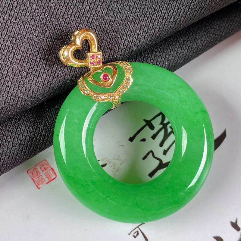 A货翡翠-种好满绿18K金伴钻平安环吊坠,尺寸-裸石30.3*6.3mm整体38*30.3*6.3m