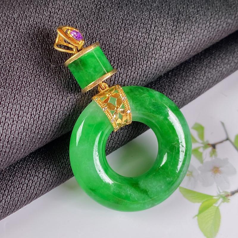 A货翡翠-种好满绿18K金伴钻平安环吊坠,尺寸-裸石23.1*5.3mm整体37.7*23.1*5.