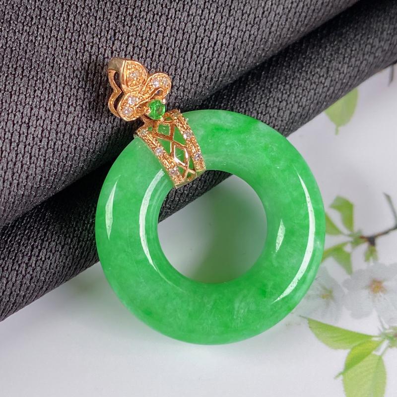 A货翡翠-种好满绿18K金伴钻平安环吊坠,尺寸-裸石23.4*5.1mm整体31*23.4*5.1m