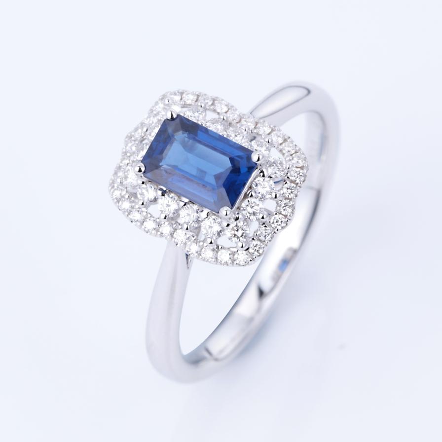 【戒指】18k金+蓝宝石+钻石 宝石颜色纯正 主石:0.68ct  货重:2.91g  手寸:12(