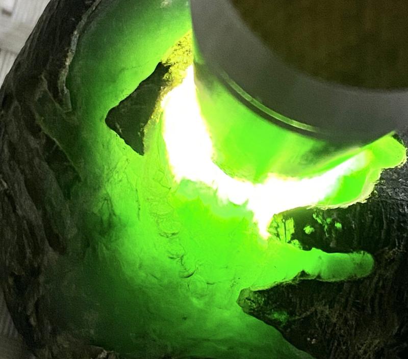 #矿区新货来袭#  【名称】861克莫湾基开窗色料       【重量】861克       【尺