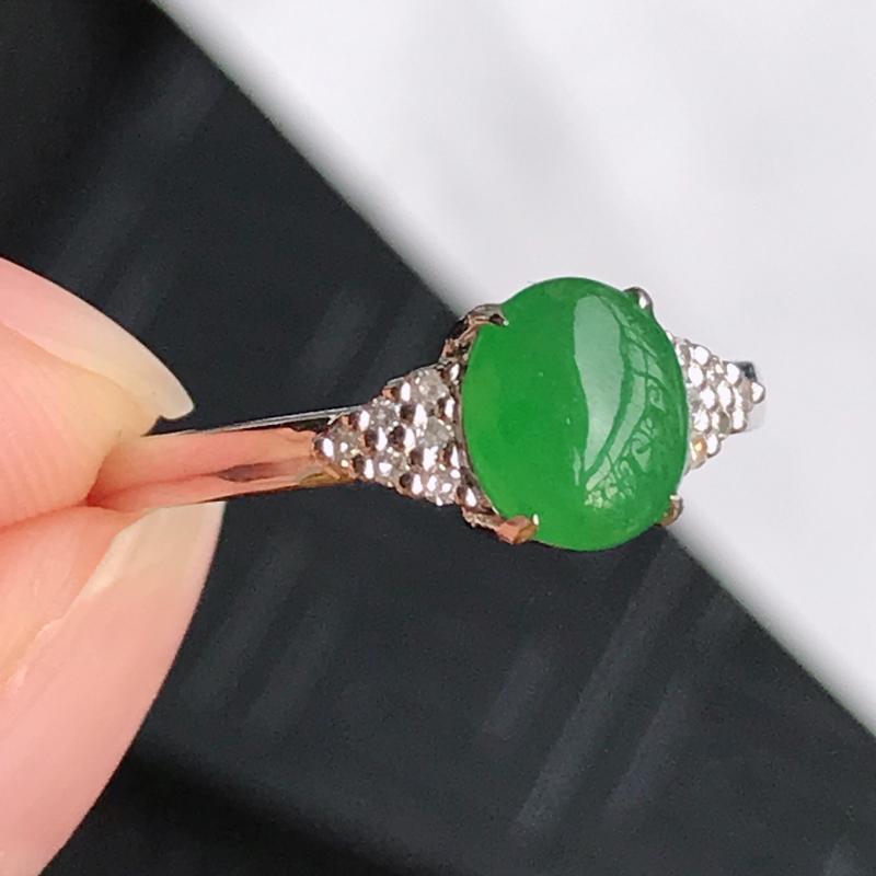 翡翠A货镶嵌18k金伴钻福气戒指,内径尺寸:18.7mm,含金尺寸:7*13*5.8mm,裸石尺寸: