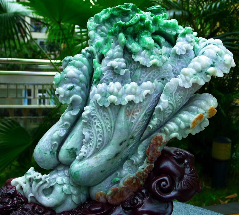 缅甸天然翡翠A货 精美三彩 黄加绿 春带彩 八方来财 财源广进 步步高升 升官发财 白菜摆件 雕刻精