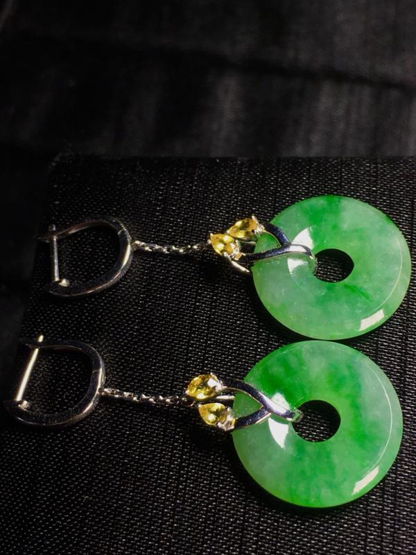 绿花耳坠, 裸石17.5-3.5mm,6.58g, 18K金伴蓝宝石镶嵌,