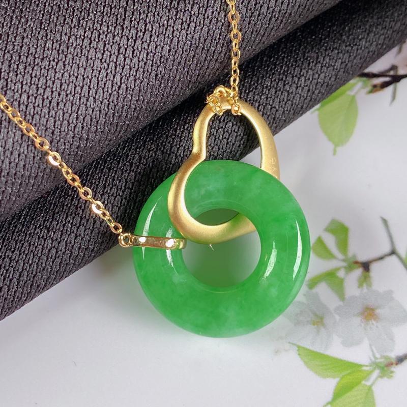 A货翡翠-种好满绿18K金平安环吊坠,尺寸-17.5*4.8mm