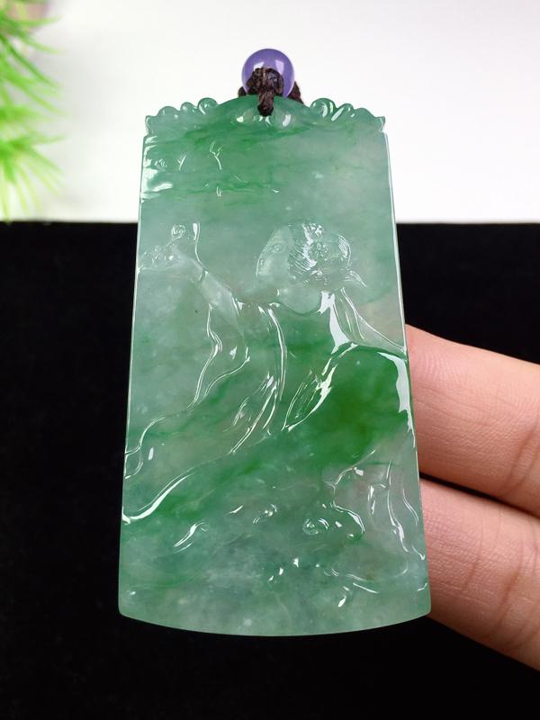 (下单有礼)冰起胶阳绿嫦娥奔月,种色俱佳,大件冰透,款式特色!裸石:56*29.3*5.5 顶珠非
