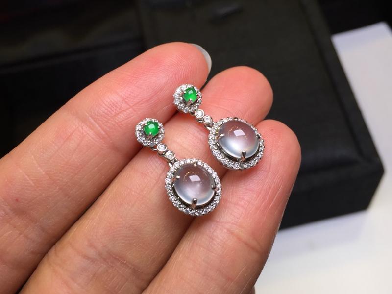 一对冰种耳坠,完美起光,底庄细腻,18K金南非真钻镶嵌,性价比高,推荐,尺寸20*8.8*7/7.2